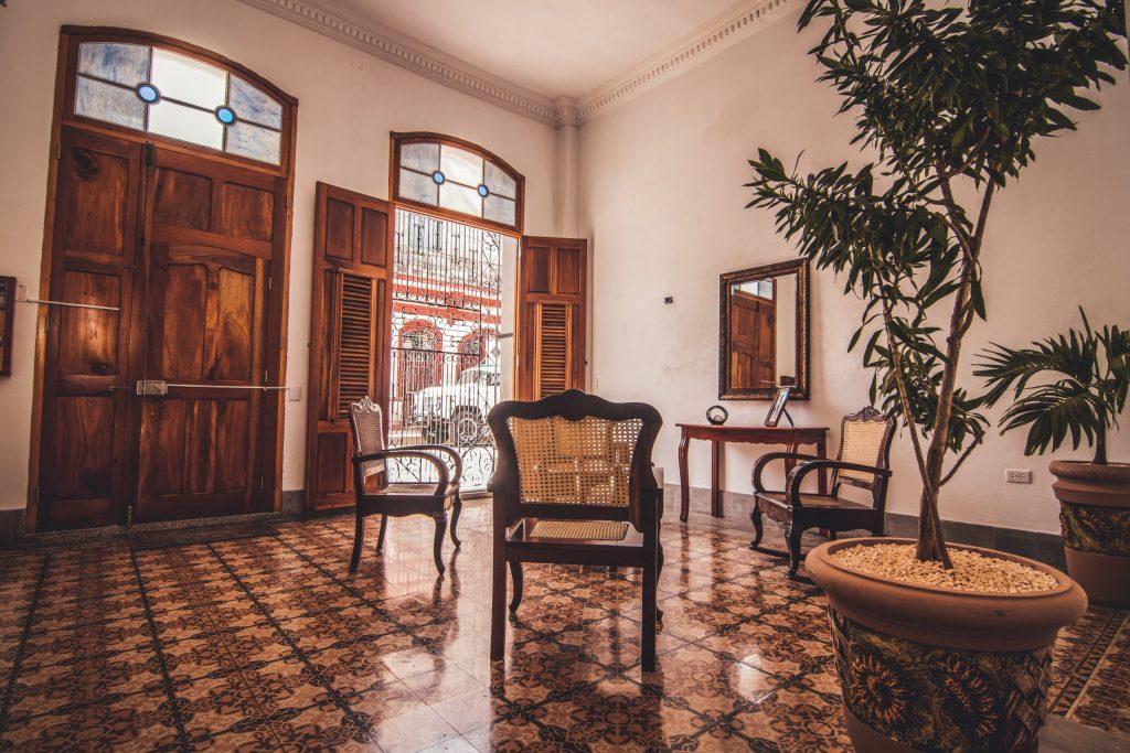 Casa_Particular_Hostal_Cienfuegos_Sunrise_Maide___Jonny_Cienfuegos_Wohnzimmer
