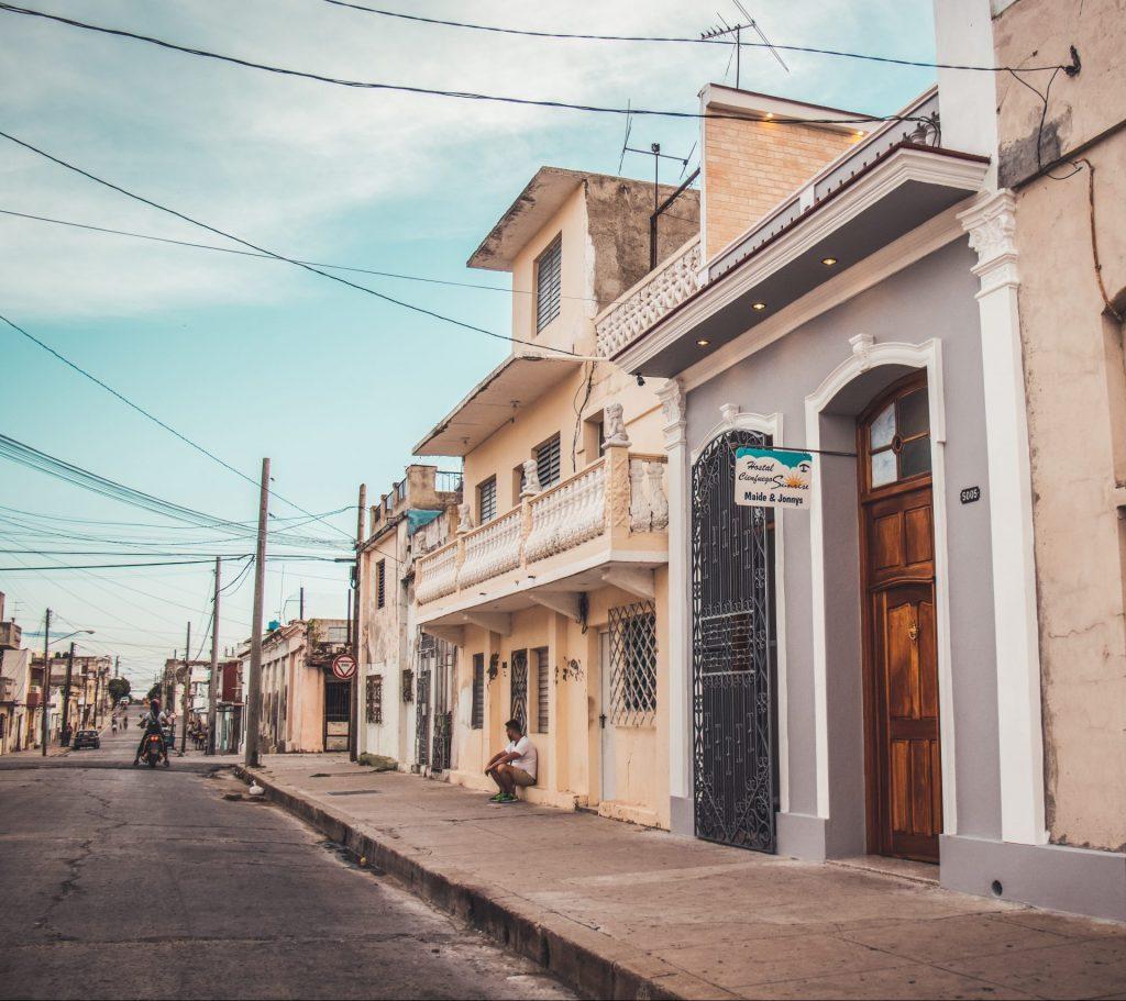 Casa_Particular_Hostal_Cienfuegos_Sunrise_Maide__Jonny_Cienfuegos_Front
